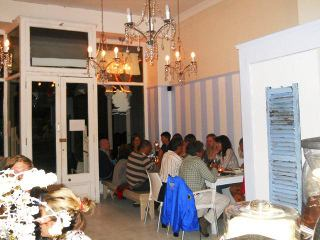 The Lighthouse Cafe - Simon's Town Restaurant. Mariner Guest House - holiday accommodation in Simon's Town.