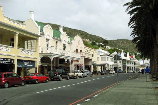 Simons Town Main Road. Mariner Guest House - Luxury affordable holiday accommodation in Simons Town.